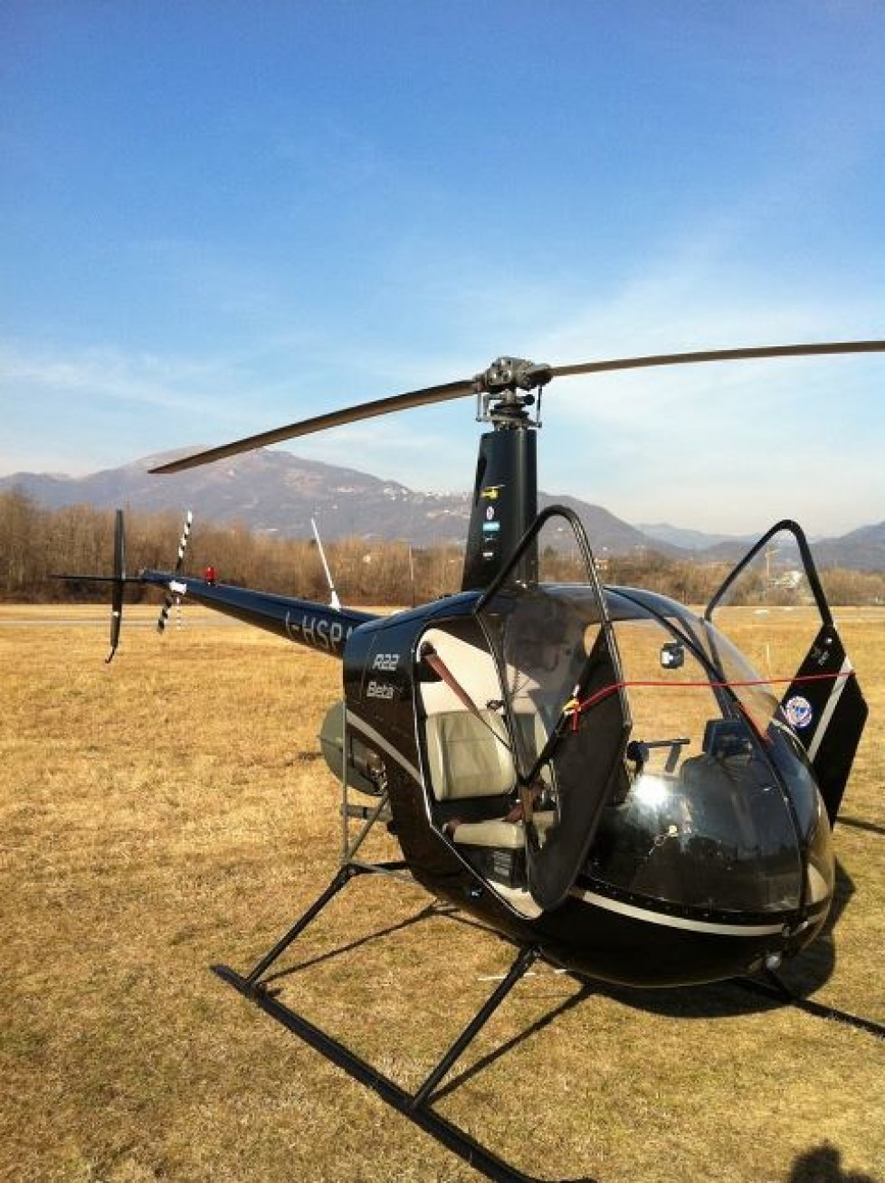 Elicottero R22 : Elicottero helispin s r l
